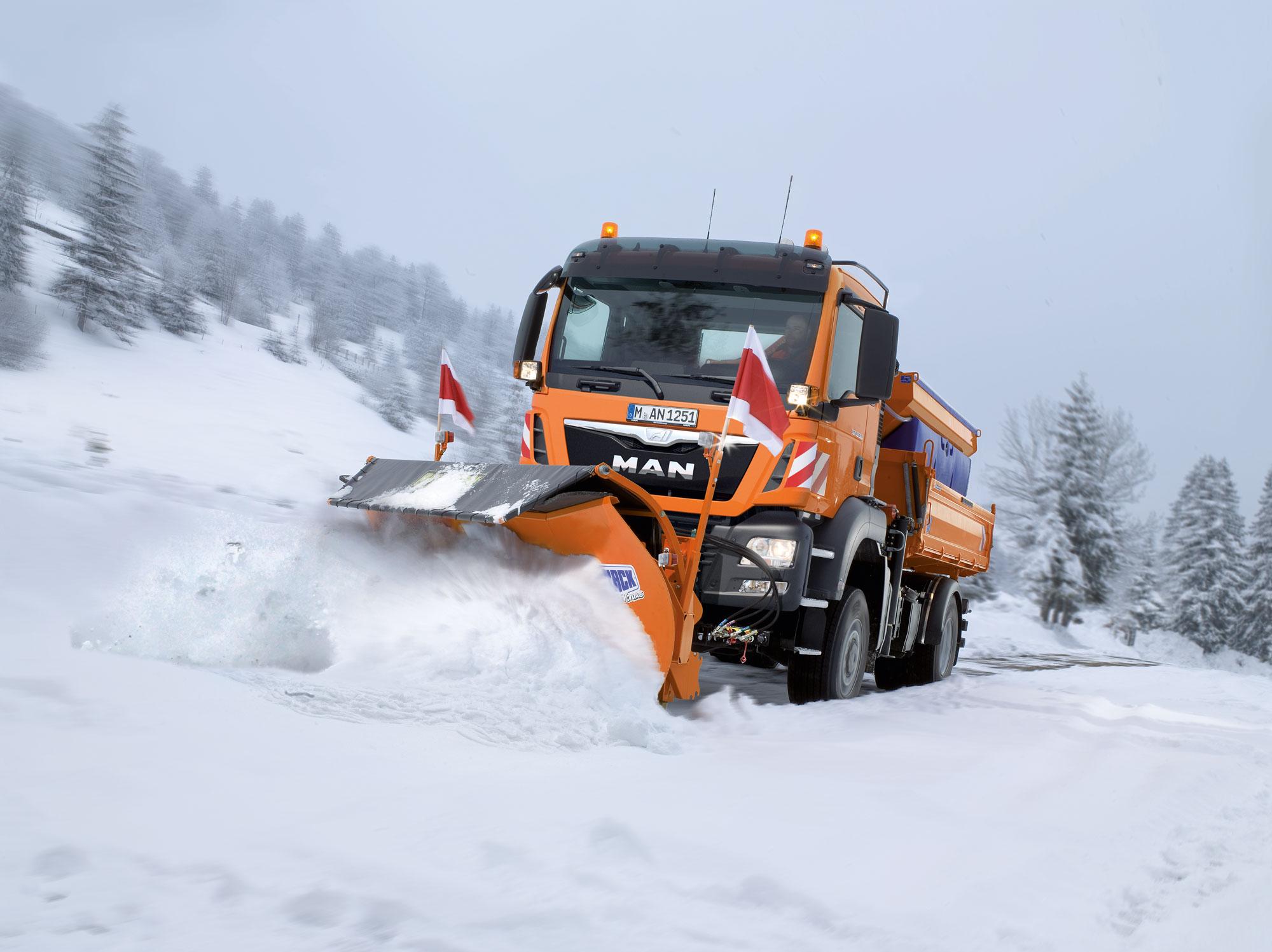 Winterdienst  Fahrsicherheitstraining Winterdienst - kommunalwirtschaft.eu